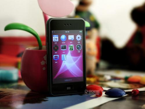 与苹果iPhone试比高! 魅族M8全球首测