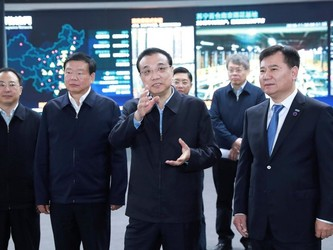 李克强:苏宁一定会有大发展 是未来是希望
