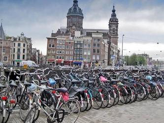 """自行车与无人驾驶汽车的""""碰撞""""成为荷兰政府的""""噩梦"""""""
