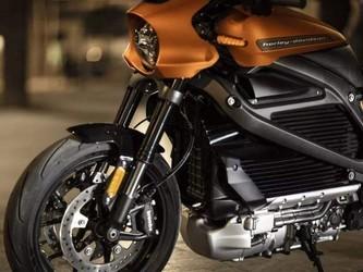 哈雷在日内瓦展出LiveWire电动摩托 不料难敌对手Zero