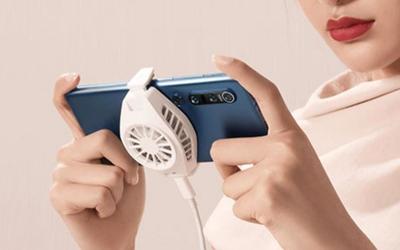 这算是手机的外挂空调?小米冰封散热背夹开卖 129元