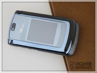 超大内外双屏 摩西薄锐时尚新品X580评测