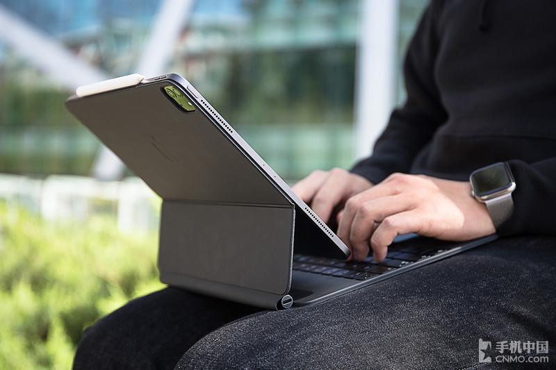 苹果iPad Pro妙控键盘:生产力UP!UP!UP!