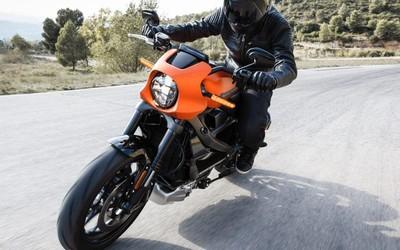 哈雷LiveWire电动摩托车性能曝光 3秒从0加速到60码