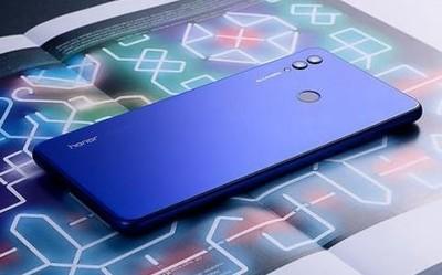 赵明确认荣耀7英寸大屏手机将至:兑现了2年前的承诺
