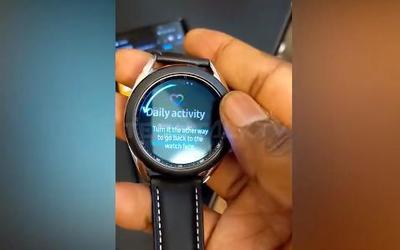 三星Galaxy Watch 3抢先上手 或采用旋转表盘设计?