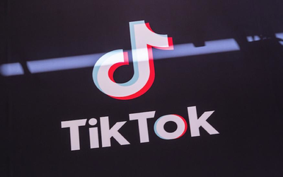 特朗普宣布而后�_口��道禁止TikTok在美运营 微甲胄同�尤榘咨�光芒爆�W而起软考虑收购TikTok