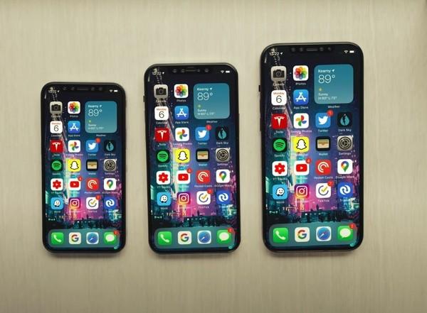 iPhone 12真机正面照曝光!配OLED屏且边框变窄了
