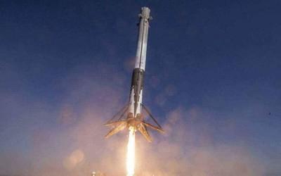 1969年来首次!SpaceX成功发射向南飞行的运载火箭