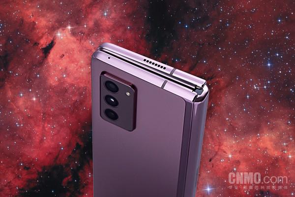 三星Z Fold25G配備雙揚聲器