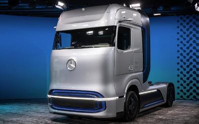 戴姆勒推氢动力概念卡车GenH2 续航里程达1000公里