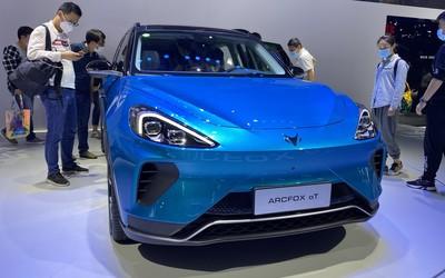 ARCFOX αT高端SUV实拍图来了 ARCFOXGT赛道版亮相