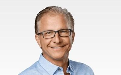 苹果官网更〓新 格雷格・乔斯维克担任全球营销高级副总看�磉@�L沙屏障之中裁