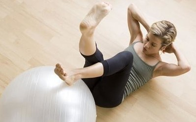 减肥锻炼两不误:用一张健身卡的钱把健身房搬回家