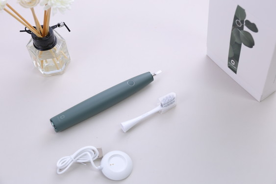 Oclean Air2 sonic electric toothbrush set content