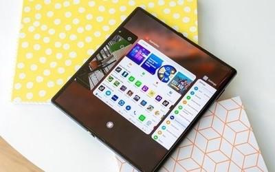 华为全新折叠屏手机专利曝光 外观设计与翻盖机类似