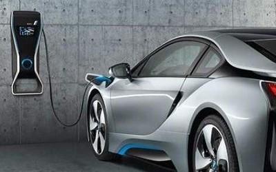 英国10年内禁燃油新车 明年起投入5亿欧元发展新能源