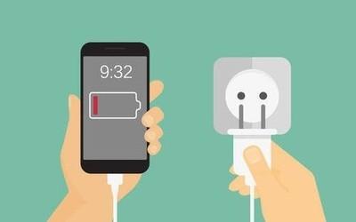 """速绿充电充电宝归还后仍扣费 客服""""稳住""""用户两个月"""