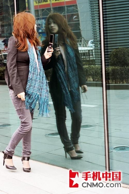 美女高跟射粹f_紧身仔裤+绑带高跟鞋图片