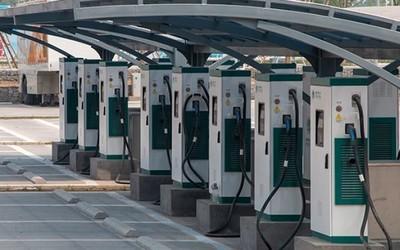 上海大力建设充电设施 今年将新增1万个公共充电桩