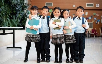 国内学生网民数占两成 该如何让孩子合理使用手机?
