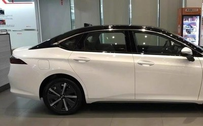 广汽本田EA6车型今日正式上市 中文命名届时公布!