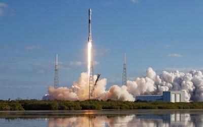 SpaceX原型机坠毁 马斯克:至少炸坑的位置是对的!