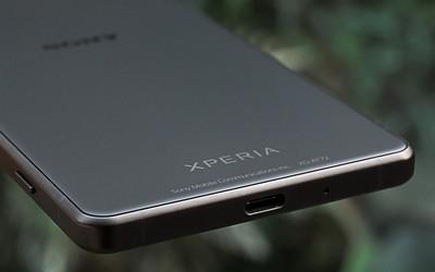 索尼Xperia 1 III帶殼渲染圖曝出 可能引入潛望式鏡頭