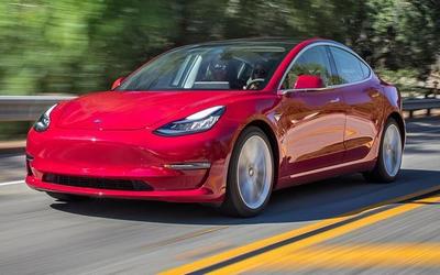 """爆料!疑似特斯拉Model 3追尾劳斯莱斯 特斯拉""""心累"""""""