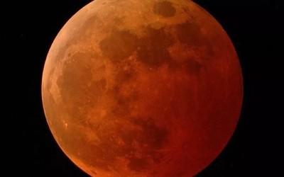 """当""""超级月亮""""遇上""""月全食""""!它看起来为什么这么红?"""