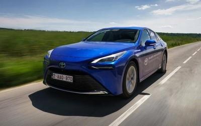 丰田氢燃料电池车续航打破世界纪录!达1000km以上
