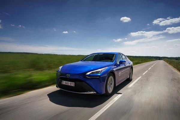 丰田氢燃料电池车全新MIRAI续航打破世界纪录