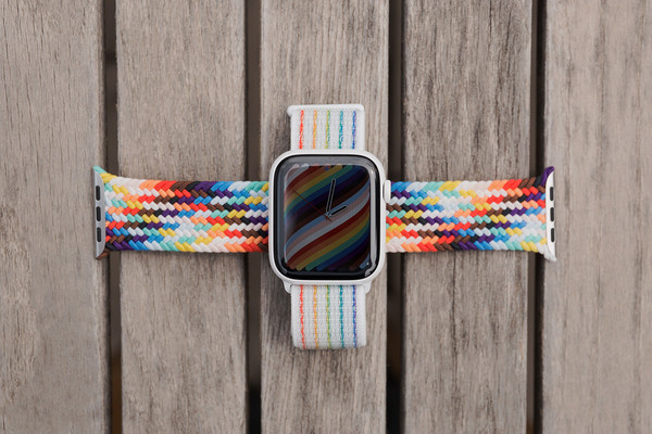 彩虹版编织单圈表带与彩虹版Nike回环式运动表带