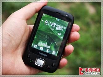 FM发射全触控 和信GPS导航手机i02评测