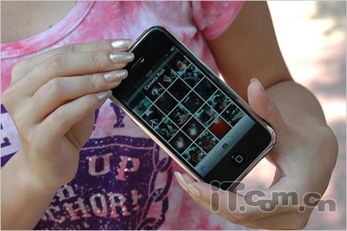 图为:苹果iphone手机