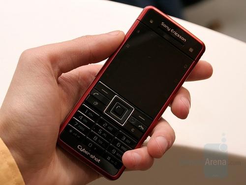 索尼爱立信最新拍照手机C902-索尼爱立信C902真机图 索尼爱立信C